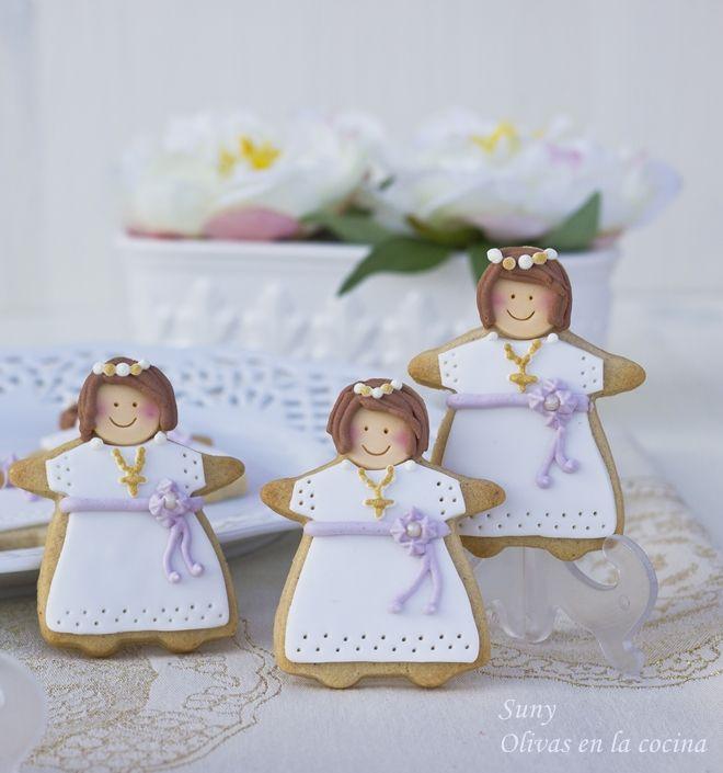 Estas galletas son de canela y las decoré para una comunión especial.  http://rositaysunyolivasenlacocina.blogspot.com.es/2013/05/galletas-de-canela-decoradas-para-la.html