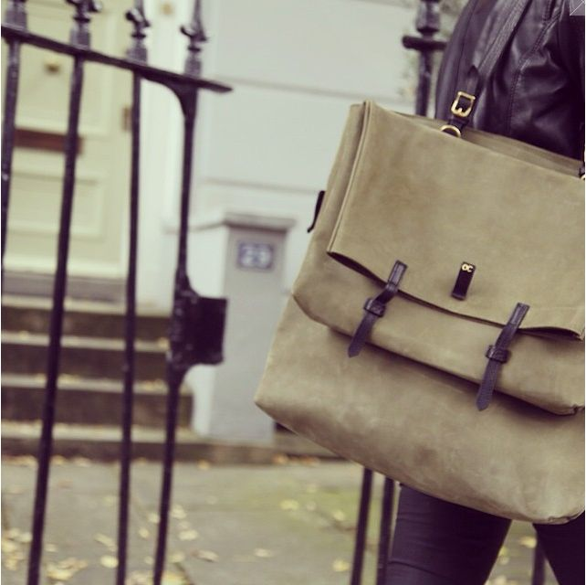 Enjoying sunny London with my Olive Cooper bag.