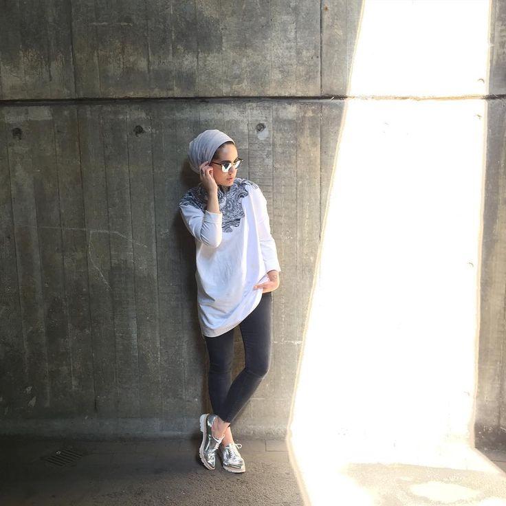 "Ascia AKF on Instagram: ""Today in London • @liliaiyastudio on my back, Zara on my feet."""