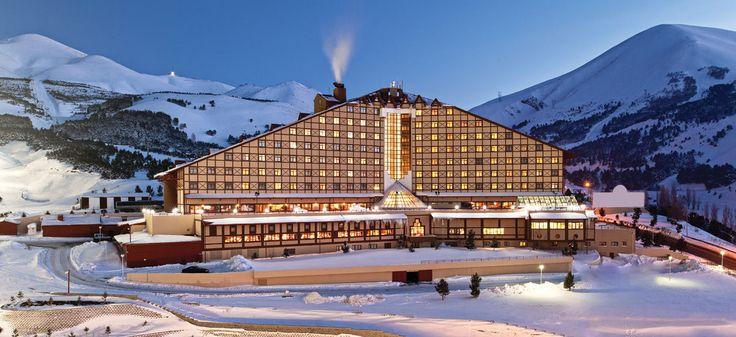 ¡Creemos que nunca has pensado en Turquía como un destino para esquiar! Renaissance Polat Erzurum Hotel #Turquía