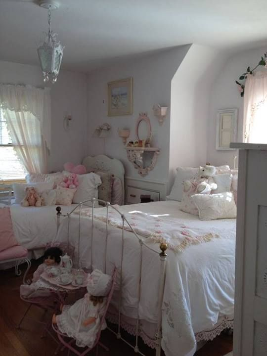 111 best little princess room images on pinterest child room babies rooms and baby rooms. Black Bedroom Furniture Sets. Home Design Ideas