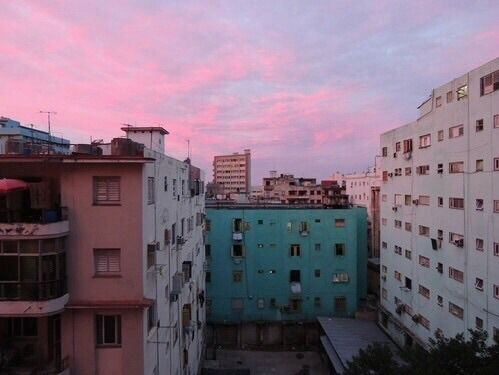 #urban #sunset #building #city #colorful #aesthetic #suburb #grunge #sky  https://weheartit.com/entry/299602225