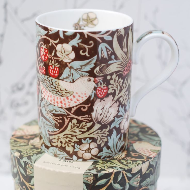 William Morris mugg Strawberry Thief brun från Countrystyle.se