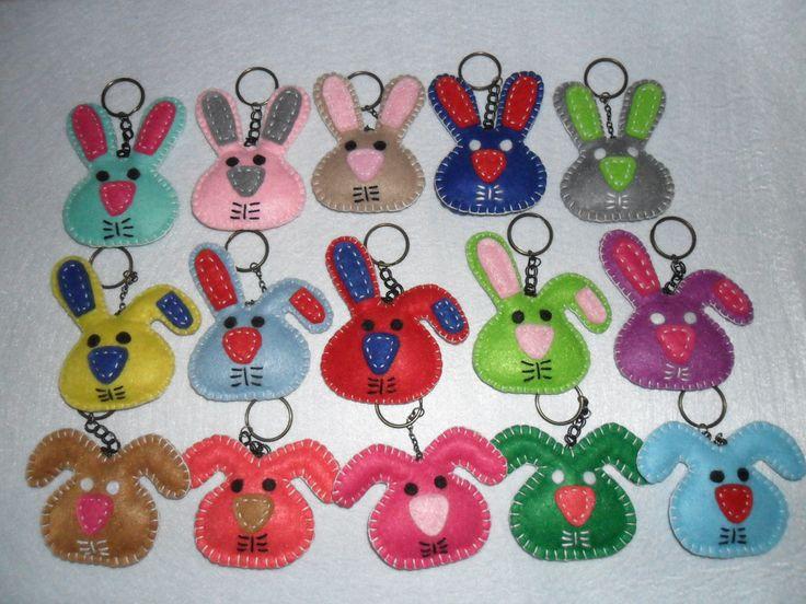 coelhos para pascoa em feltro porta-chaves