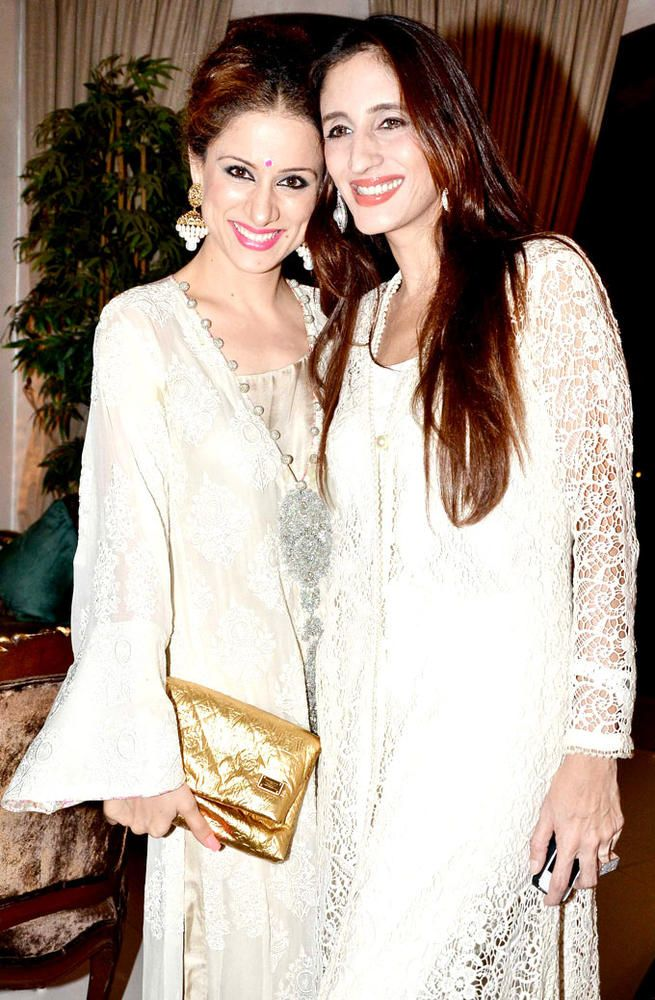 Farah Khan Ali with a friend at Sanjay Khan's Iftar bash. #Bollywood #Fashion