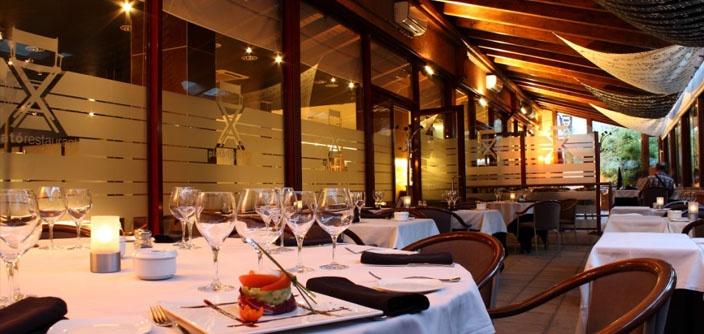 Uno de los dos restaurantes del hotel Arthotel. Espacioso e ideal para reuniones y comidas multitudinarias.