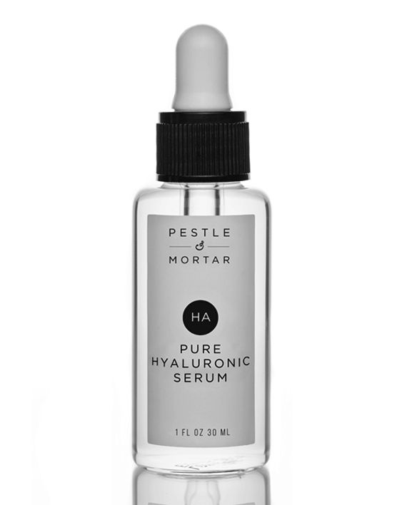 Pestle & Mortar Pure Hyaluronic Serum is the ultimate multitasker for your skin. This smooth concentrate targets fine lines, dullness and dehydration restoring a healthy glow, plumpness and radiance.