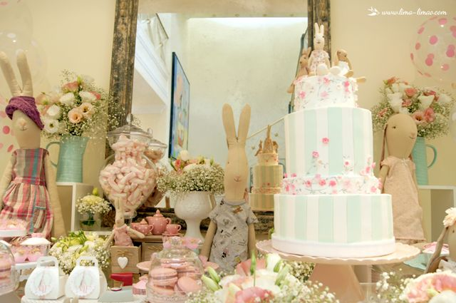 A beautiful cake and lots of charming details for this Maileg themed party