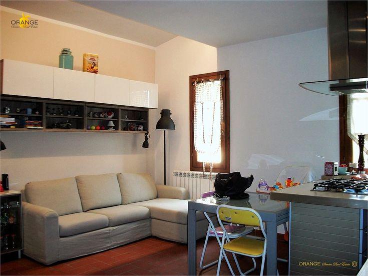 Bellissimo appartamento di due vani in colonica ristrutturata. Giardino privato con casetta in legno. Travi a vista.