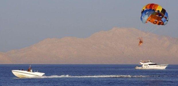 Parasailing i Hurghada | LundinOrient´s Egypten  Läs mer: http://lundinorient.se/?page_id=11427