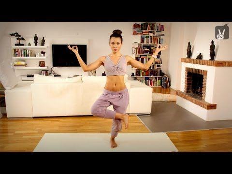 Yoga Anfänger Workout: Dein Programm für schlanke Beine und knackigen Po! - YouTube