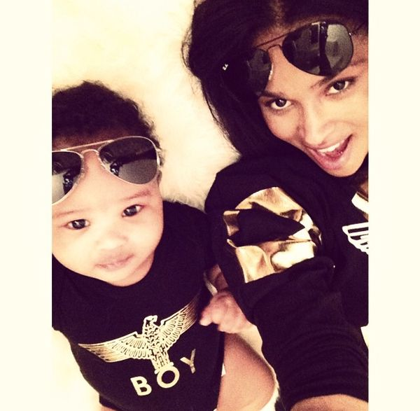 Ciara teaches baby Future how to take selfies