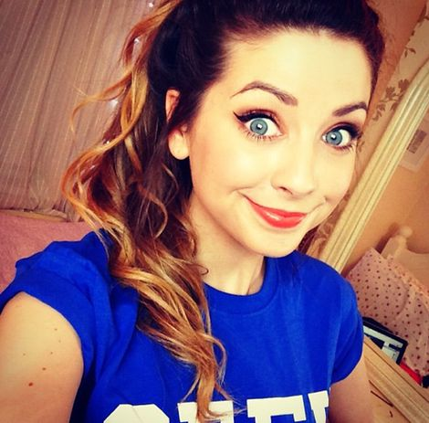 Zoella is one of my favourite Youtubers, and she is a great inspiration. But also her hair is always perfect ♡