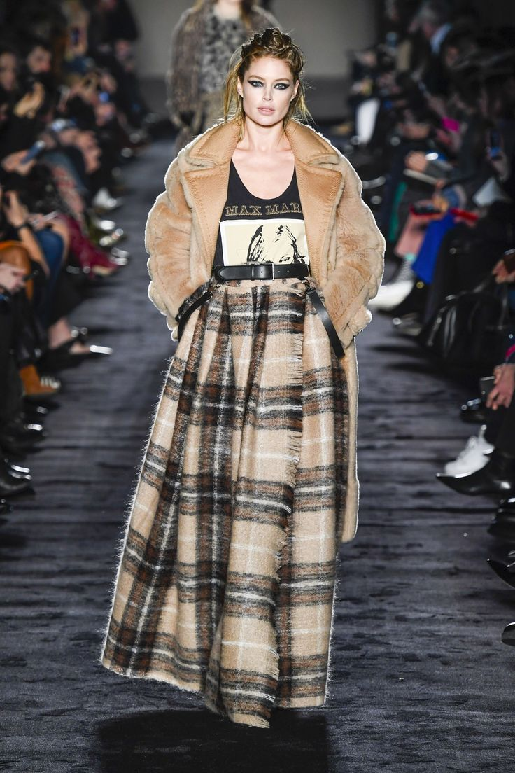 https://www.vogue.com/fashion-shows/fall-2018-ready-to-wear/max-mara/slideshow/collection#2