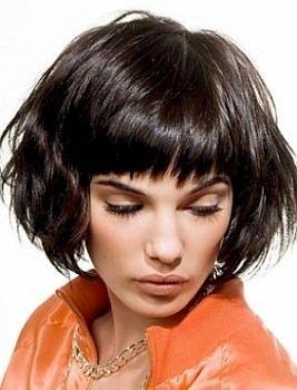 Для волос средней длины: модные тенденции в женских стрижках для средних волос