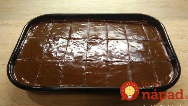"""Veľmi šťavnatý """"Granko"""" koláčik: Stačí len upiecť a preliať polevou, chuť je bezkonkurenčná!"""