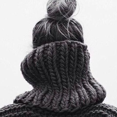 It's chunky knit and top knot kinda Tuesday Image via @mrsmithhair. #runninglate