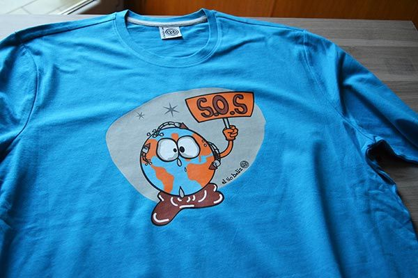 camiseta mundo socorro azul