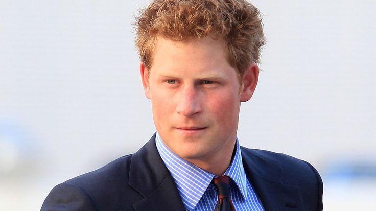 Prințul Harry al Marii Britanii, la ICR Londra. Ce expoziție a vizitat - http://www.eromania.org/printul-harry-al-marii-britanii-la-icr-londra-ce-expozitie-a-vizitat/?utm_source=Pinterest&utm_medium=neoagency&utm_campaign=eRomania%2Bfrom%2BeRomania