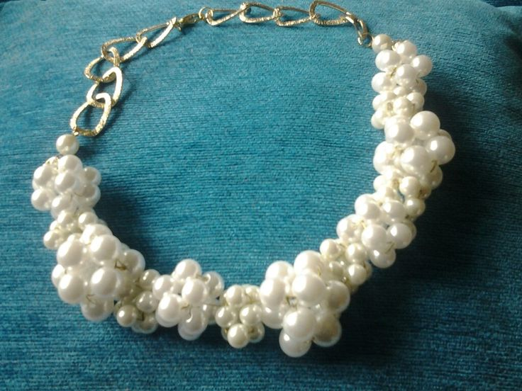 Pearl necklece