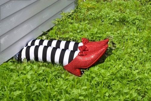 WITCH LEGS UNDER HOUSE HALLOWEEN SCENE SETTER DECORATION PARTY PROP STRIPED SOX