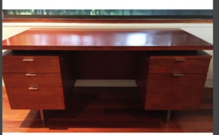 George Nelson for Herman Miller Double pedestal desk (1950's) #GEORGENELSONFORHERMANMILLER #MIDCENTURYMODERN
