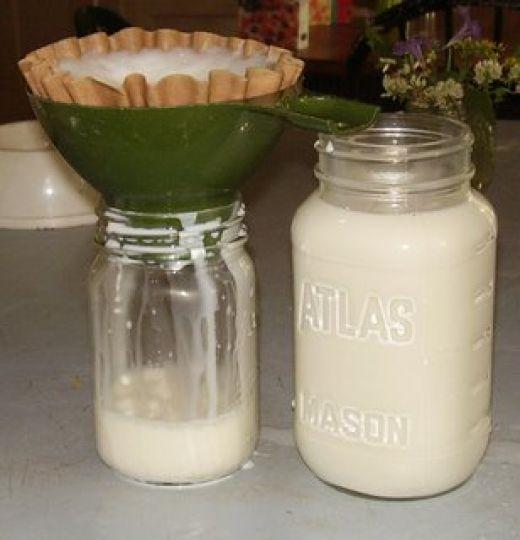 How to Make Homemade Goats' Milk Cheeses