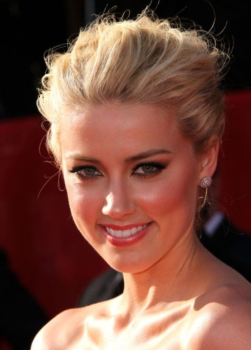 Pictures & Photos of Amber Heard - updo