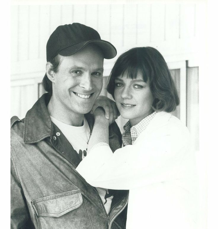 "Dwight Schultz's wife, Wendy Fulton appeared in a guest role in The A-Team. In season three she played the role of a veterinarian in the episode ""Bounty"" who fell in love with Murdock. ""Of course the kiss was real,"" explains Dwight with a smile, ""we didn't have to pretend."""
