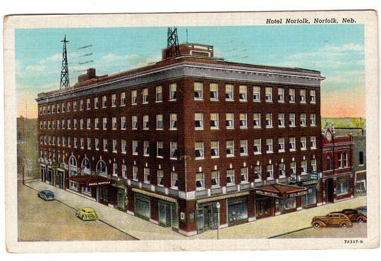 Vintage Nebraska Postcard Hotel Norfolk Norfolk Nebraska 1940s Travel Souvenir Collectible Town View