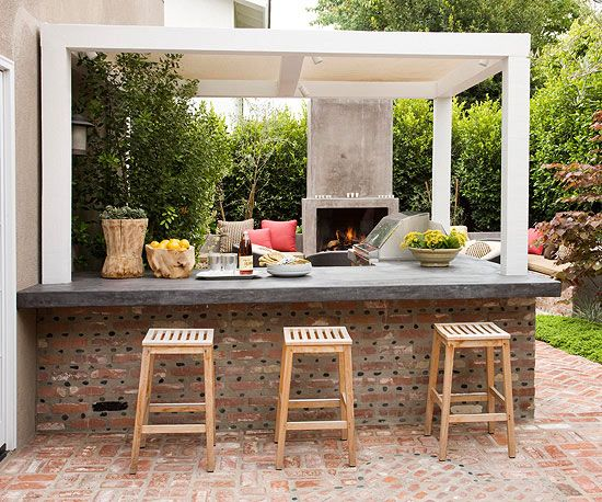 Add Some Seating To create a casual seating area, extend a countertop over a half-wall and add stools. This format is a great option for kid-friendly or grown-up parties. Guests can sit away from the heat of the grill but are still close to the food and drinks. Consider raising the counter height for a more barlike feel.