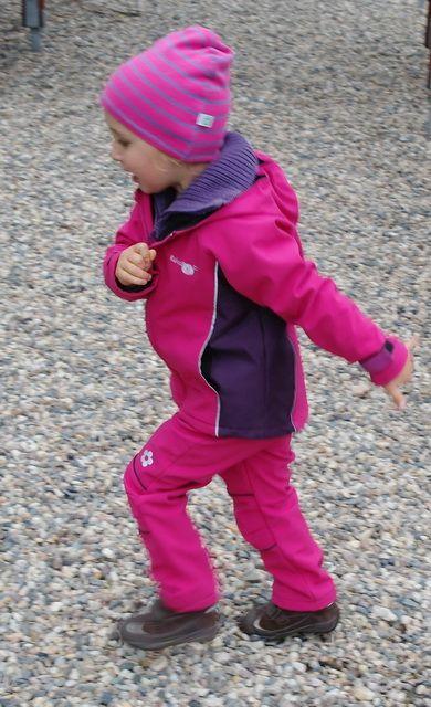 Softshellové dětské oblečení | Dívčí softshellové kalhoty - fuchsiovo-fialové | Český výrobce dětského oblečení, dětské tepláky, legíny, softshell, šusťáky