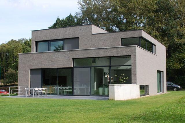Die besten 25 kubus haus ideen auf pinterest h tte fenster gartenhaus modern und ger tehaus holz - Huis modern kubus ...