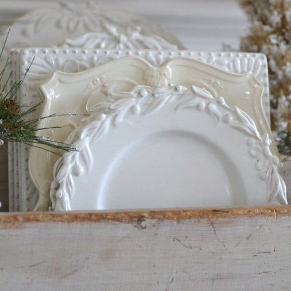 Bon Noel-how to decorate in the French style. White dinnerware.