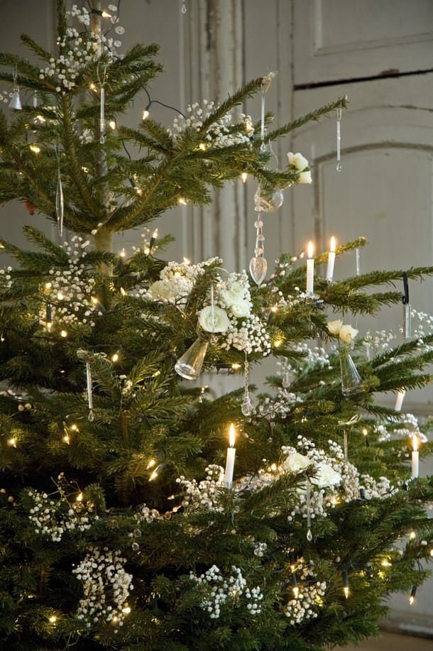 Beautiful Decorating Ideas for a Traditional Christmas | Apartment Therapy