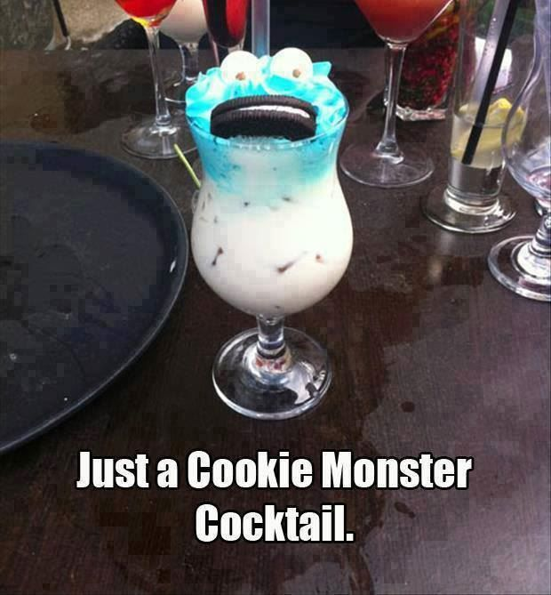 Easy and Delicious Cookie Monster Cocktail! Boozy and non-boozy version.