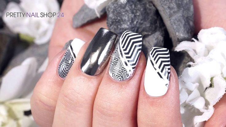 #nailart #trend #mix #nails Diesen Monat lassen wir uns von einem Trend begeistern, der alle Blicke auf sich zieht und bei jeder Frau im Kleiderschrank zu finden ist. Hierbei geht es darum, verschiedene Muster zu einem umwerfenden Look zu kombinieren. Wie beeindruckend Mustermix auf den Nägeln aussieht, siehst Du in diesem Video…