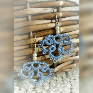 Smokey blue -earrings, frivolité