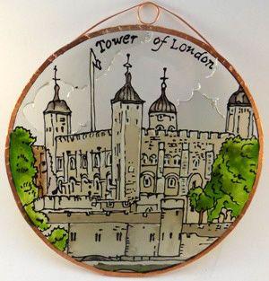 Tower of London Grafika: Navratil Zsuzsa Üvegre kivitelezte: Kőrösi Andrea Átmérő: 15 cm