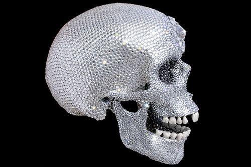 """""""За любовь Господа"""" (Бриллиантовый череп) Дэмиен Херст (англ. Damien Hirst, р. 7 июня 1965) – современный английский художник. Один из наиболее заметных представителей группы Молодые британские художники Биография, работы: http://contemporary-artists.ru/Damien_Hirst.html"""
