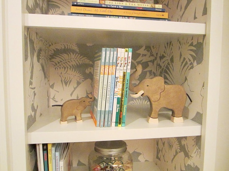 love the wallpaper detailChild Room, Wallpapers Bookcas, Kids Room, Baby Room, Baby Book, Bookshelf Style, Babies Rooms, Elephant Bookends, White Room
