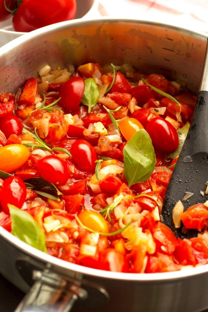 This Garden Tomato Pasta is delicious, light, and easy. It is my favorite way to use up all the fresh, plump and juicy tomatoes in my kitchen. #Healthy #Summer #Pasta #Tomatoes #Vegan