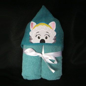 Pup Patrol Mountain Pup Hooded Towel 5x7  A machine embroidery design from Irene's Magic Stitches. It is an applique style pattern that comes in 1 size with 1 file. This design can be done on other projects as well as a hooded towel.