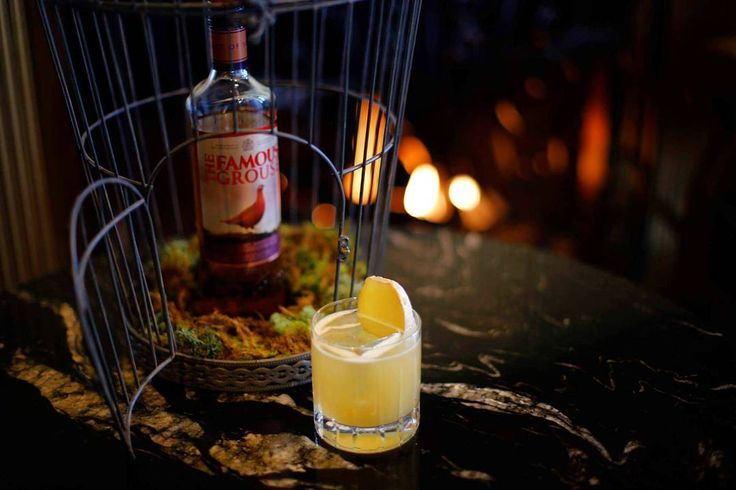 Still a little cold out there ! Heres a cure to help you through the last winter weeks. The Improved Penicillin cocktail at the 1608 bar with The Famous Grouse Liquorice and ginger milk syrup Lemon and Cypress bitters. No cold can resist to that ! . . . #cocktails #cocktail #cocktailphotography #instadrink #scotch #whisky #whiskey #thefamousgrouse #craftcocktails #fairmontcocktails #1608cocktails #fairmontfrontenac #bartenders #bartenderslife #worldbestbar #hotelbars