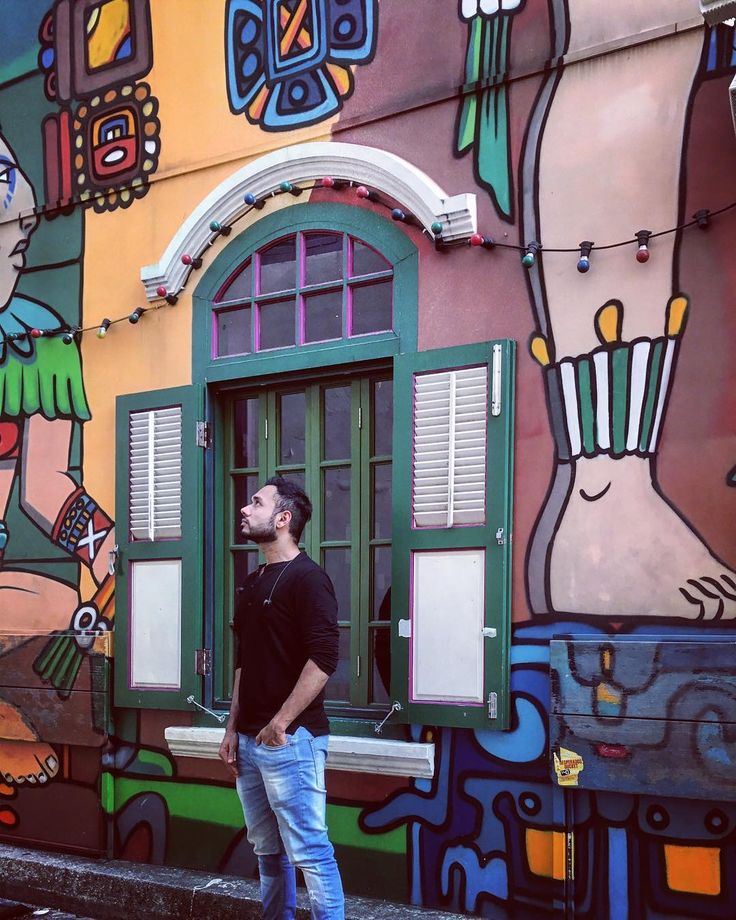 Tonight The Last Episode Of #RunToEat Singapore Goes Live! This Is Haji  Lane With