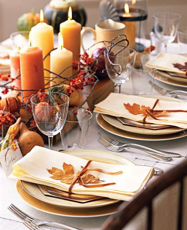 Simple, easy, inexpensive decor from nature. Beautiful Thanksgiving table setting.