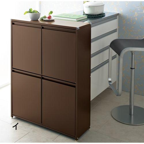 省スペースな薄型サイズで人気のおしゃれな分別ゴミ箱  。薄型サイズで狭いキッチンも有効活用。高さ91cmだからカウンター下にもぴったり。ダイニングボード脇やキッチンに置いても馴染む家具調分別ごみ箱。