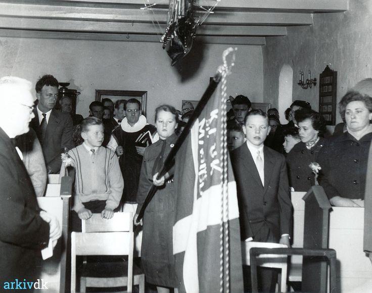 arkiv.dk   Askø Kirke - konfirmation i 1959