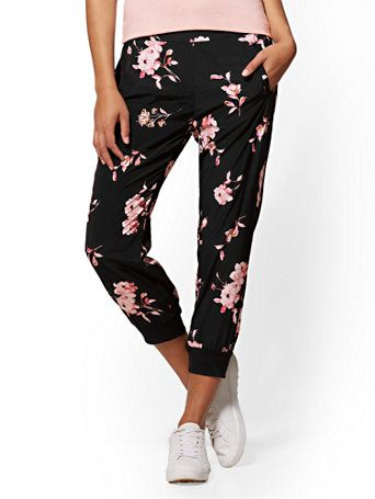 Shop Soho Street - Black Floral Slim Jogger. Find your perfect size online at the best price at New York & Company.