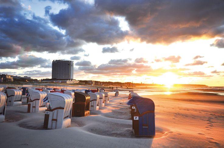 Sonnenuntergang an der Ostsee in Warnemünde Hotel Neptun